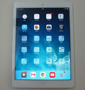 ipad-air-white-silver-front